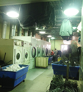 Image Of A Laundry Room Where We Wash Industrial Workwear In West New York, NJ - Prime Uniform Supply